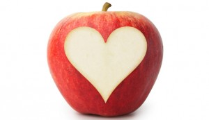apple-heart-love-healthy-628x363