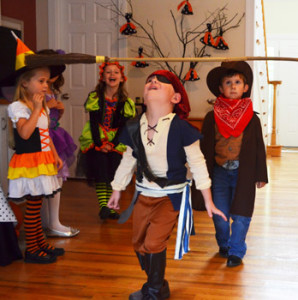 Source: http://www.passion-for-parties.com/kids-halloween-party-ideas.html