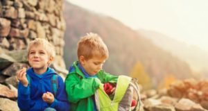 10-low-cost-snack-ideas-for-hiking-with-kids-620x330
